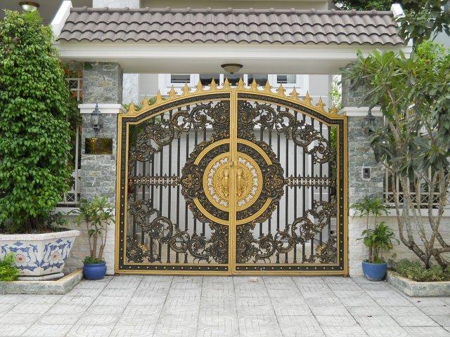 Cửa cổng nhôm đúc mỹ thuật TP Vinh Nghệ An